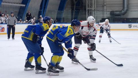 Саратовские хоккеисты выиграли в Татарстане