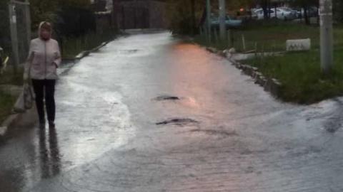 На улице Тархова снова произошел потоп