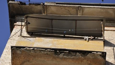 Жители Летного городка жалуются на аварийное состояние балконов