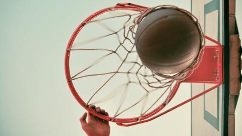 Саратовские баскетболисты обыграли уральцев и узнали расписание поездок за рубеж