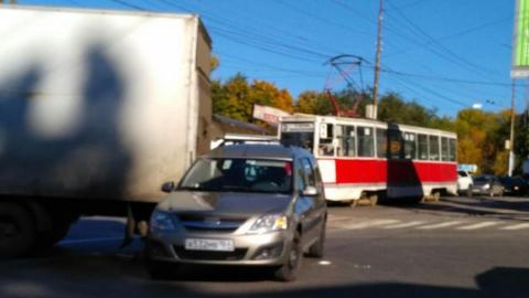 В Саратове встали трамваи из-за ДТП на путях