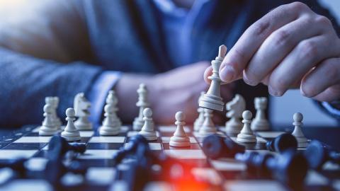 Шахматная ностальгия и футбольный позитив