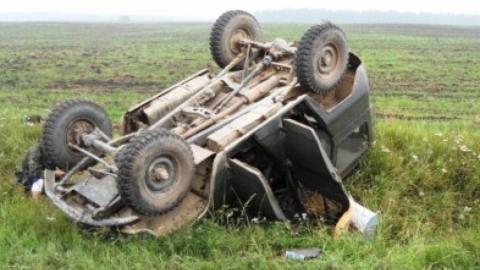 Под Саратовом водитель «УАЗа» перевернул машину в кювет