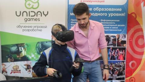 Фестиваль науки в СГТУ: саратовцам показали экзоскелет, роботов и химическое шоу