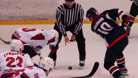 Саратовские хоккеисты дома победили барнаульских