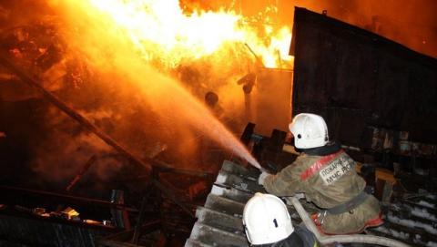 За сутки в области сгорели дом, дача и нежилое здание
