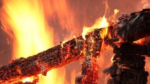 Пожар в Заводском. Сгорели сараи на улице Азина