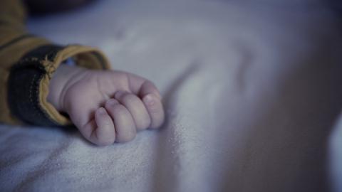 Саратовец бил новорожденного сына головой об дверь