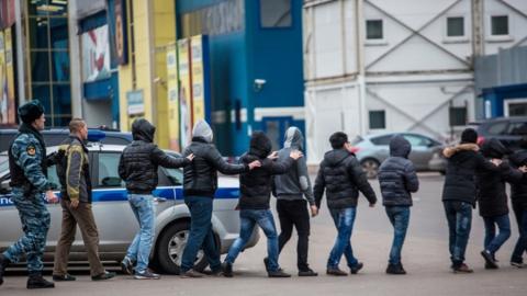 Полицейские задержали 21 мигранта в наркотическом опьянении