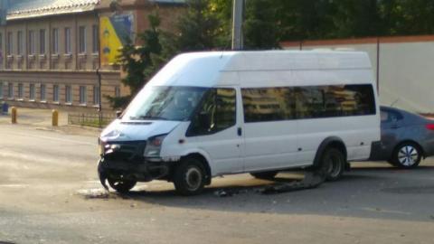 На Аткарской столкнулись две пассажирские Газели