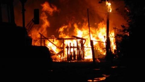 Ночью в Вольске горел многоквартирный дом на площади 200 кв. метров