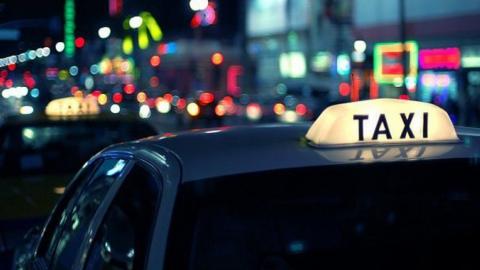 Разыскиваемый в Адыгее вор попался в Саратове на краже телефона у таксиста
