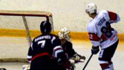 Саратовские хоккеисты закрепились в ТОП-3 Высшей лиги