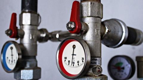 Специалисты «Т Плюс» регулируют систему теплоснабжения Саратова