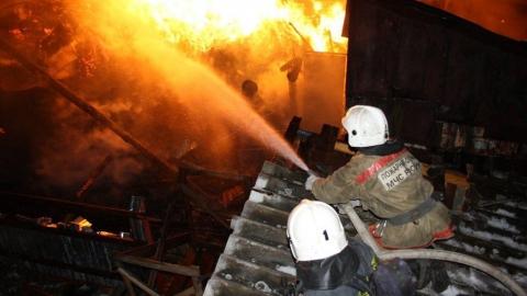Ночью в селе Софьинка сгорел дом и сараи