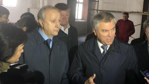 Володин о строительстве школы в Солнечном-2: «А нельзя было так работать в июне?»