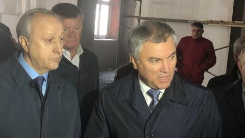 Вячеслав Володин призвал отлучить авантюристов от строительного рынка