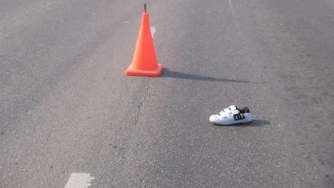 Водитель сбил юношу на пешеходном переходе и скрылся