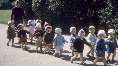 Воспитатель после прогулки забыла во дворе девочку