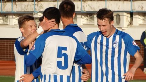 Футболисты «Сокола» забили пять безответных мячей «Сатурну»