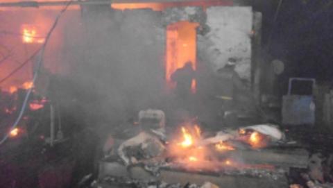 В полночь сгорела баня