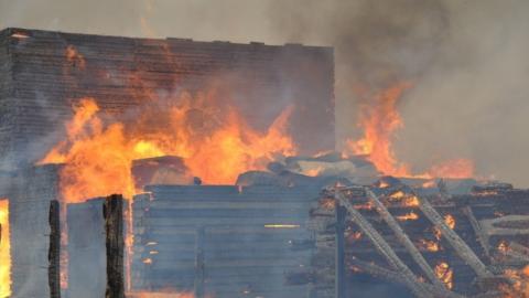Сгорели два дома