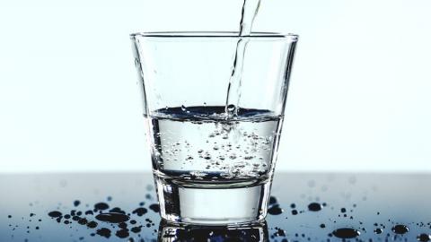 За выходные в Саратове устранили 64 повреждения водопроводов