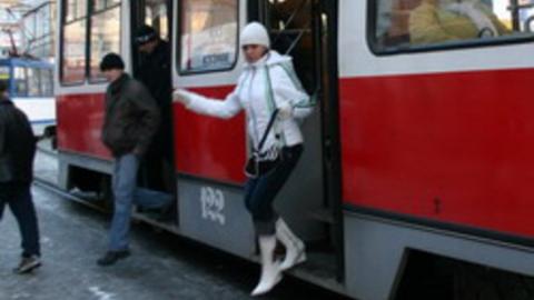На Астраханской из-за аварии встали трамваи