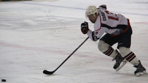 Саратовские хоккеисты выиграли в Сибири