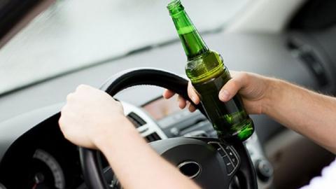 Пьяный водитель устроил аварию на встречке