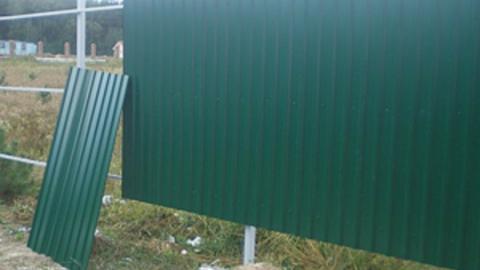 Два пьяных сельчанина разобрали забор рыбного цеха
