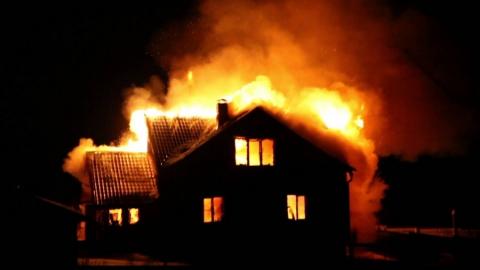 Ночью в Марфине сгорел жилой дом