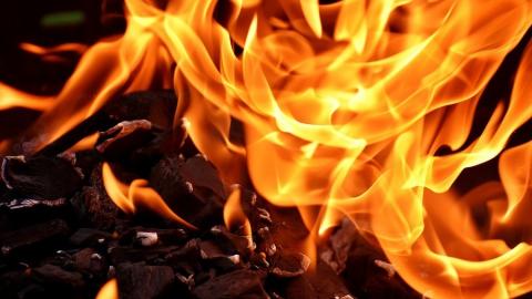 Сгорел дом на три семьи