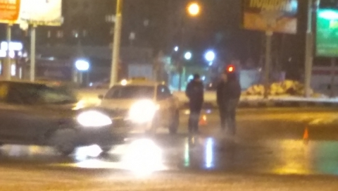 На кольце троллейбуса №10 столкнулись такси «Meтрo» и Toyota
