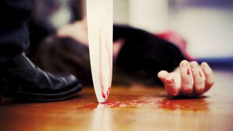 Парень воткнул нож в живот собутыльнику за удар по сломанной руке