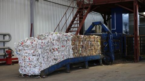 С начала месяца на мусороперерабатывающих комплексах области извлекли 10 тысяч тонн вторсырья