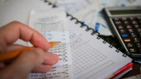 Саратовцам предлагают добровольно задекларировать счета в банках