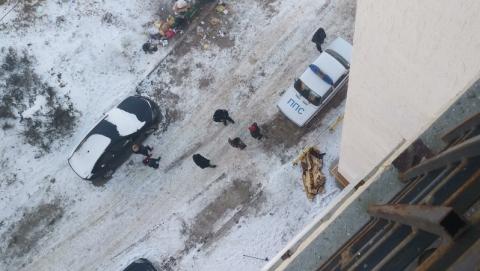 Девушка выпала с балкона и разбилась насмерть
