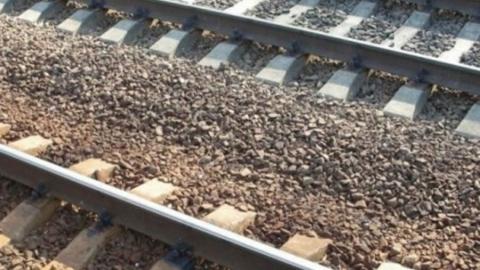Сбитая поездом девочка скончалась в больнице
