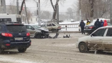 На проспекте 50 лет Октября столкнулись машины