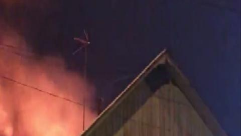 Выгорел двор частного дома