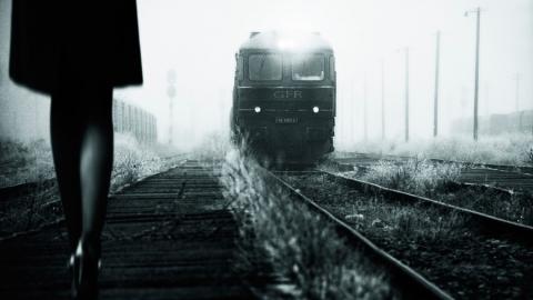 Сбитая поездом девушка скончалась в больнице