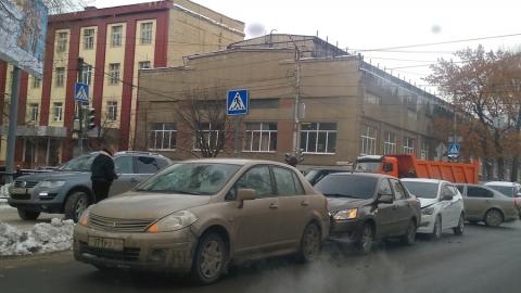 Три столкнувшихся иномарки заблокировали Рабочую