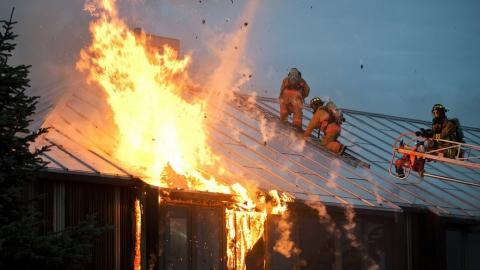 В Тарханах на пожаре погибли два трехлетних мальчика