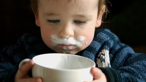 В детском саду нашли просроченное молоко