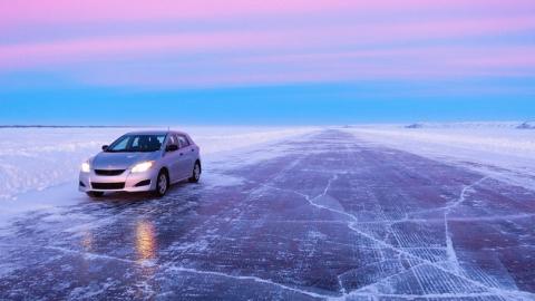 Из-за ледяного дождя в Саратове за час произошло десять аварий
