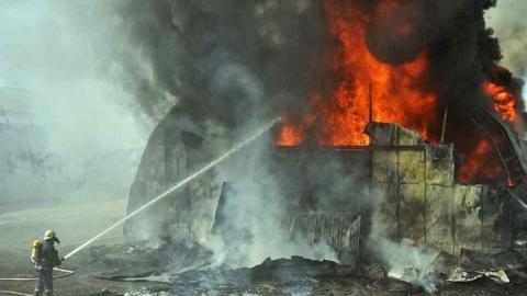 В Энгельсе сгорел ангар