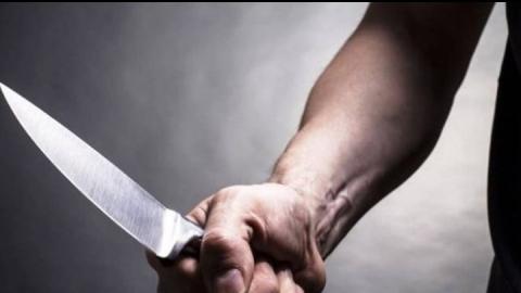 Мужчина с ножом требовал у таксиста деньги