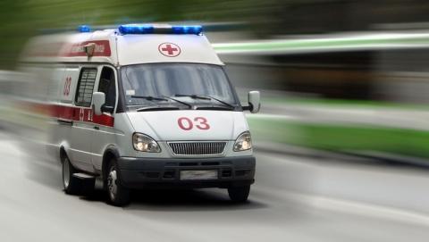 Водитель иномарки попал в больницу после утренней аварии