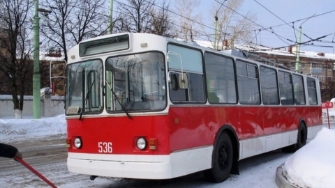 Троллейбусы №10 не ходили почти час